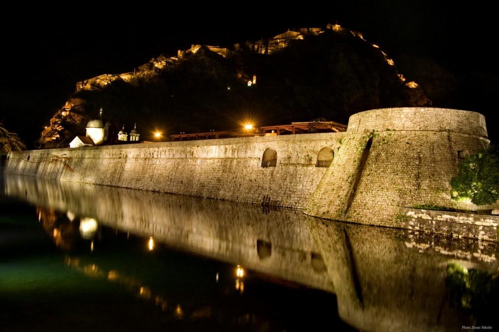 Kotor noću - Photo Zoran Nikolić
