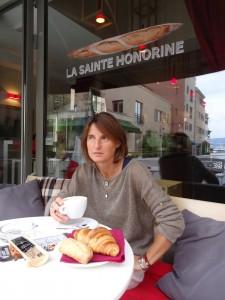 Marie Moiln Dheret ispred svoje pekare