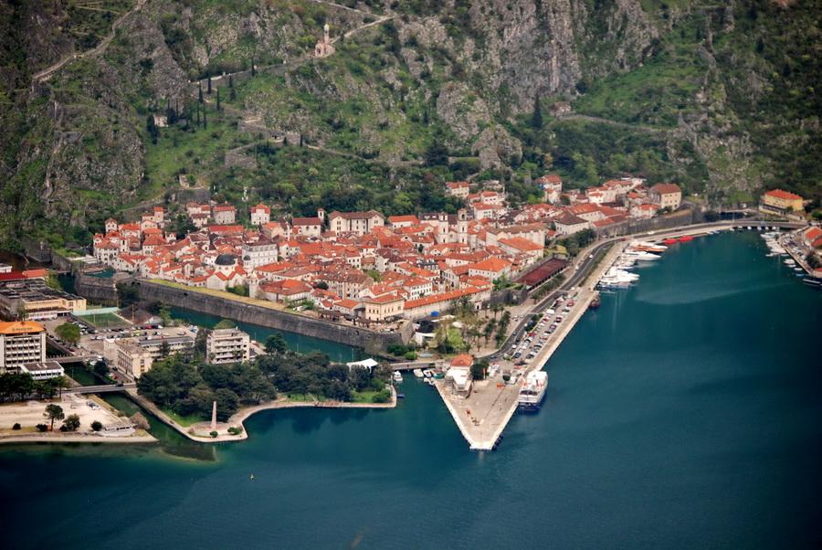 Panorama Kotora sanimljena sa Vrmca