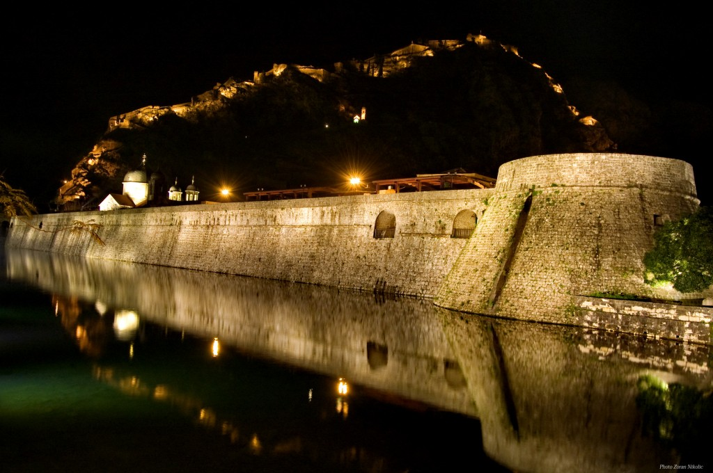 Photo: Boka News - Kotor noću