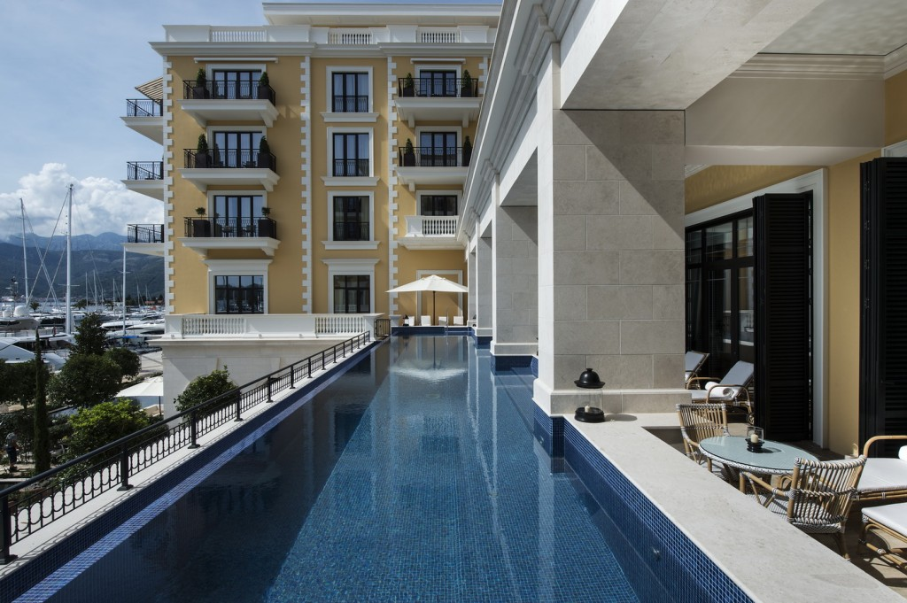 Regent - Outdoor infinity pool