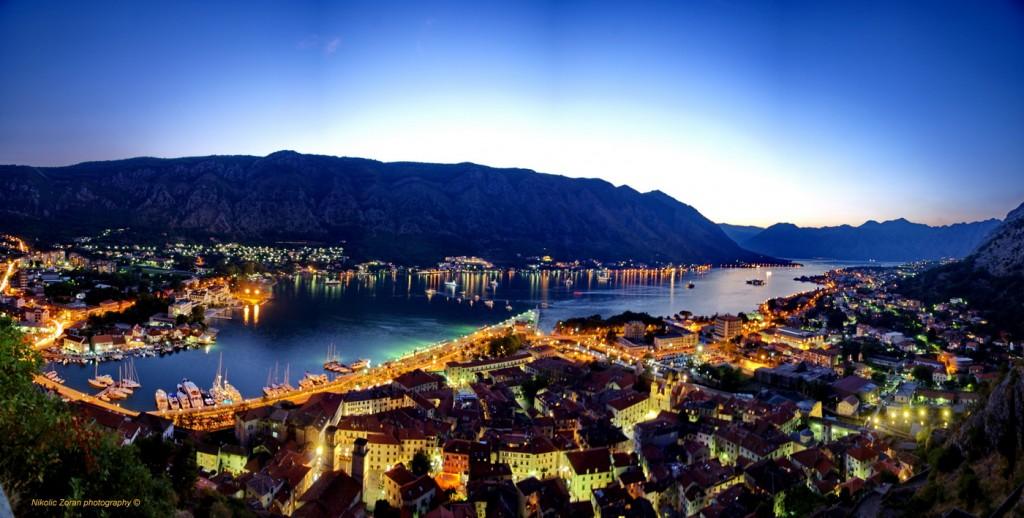 Panorama Kotora - Photo - Zoran Nikolić, noćni snimak Kotora sa zidina