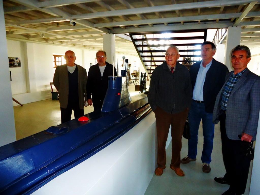 Bivsi jugoslovenski podmornicari u muzeju u Tivtu