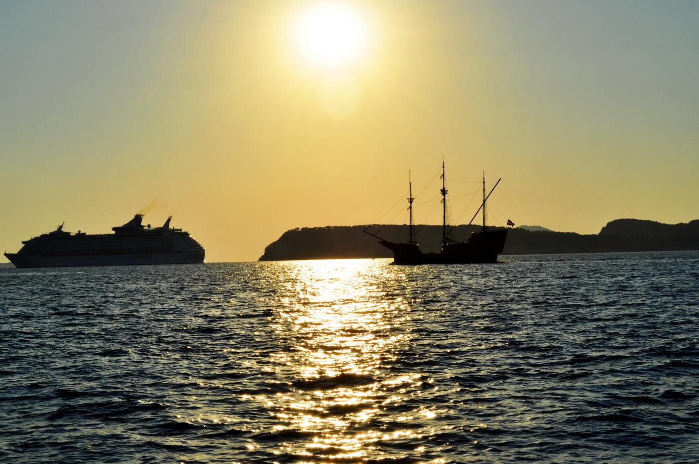 Brodovi u sutonu
