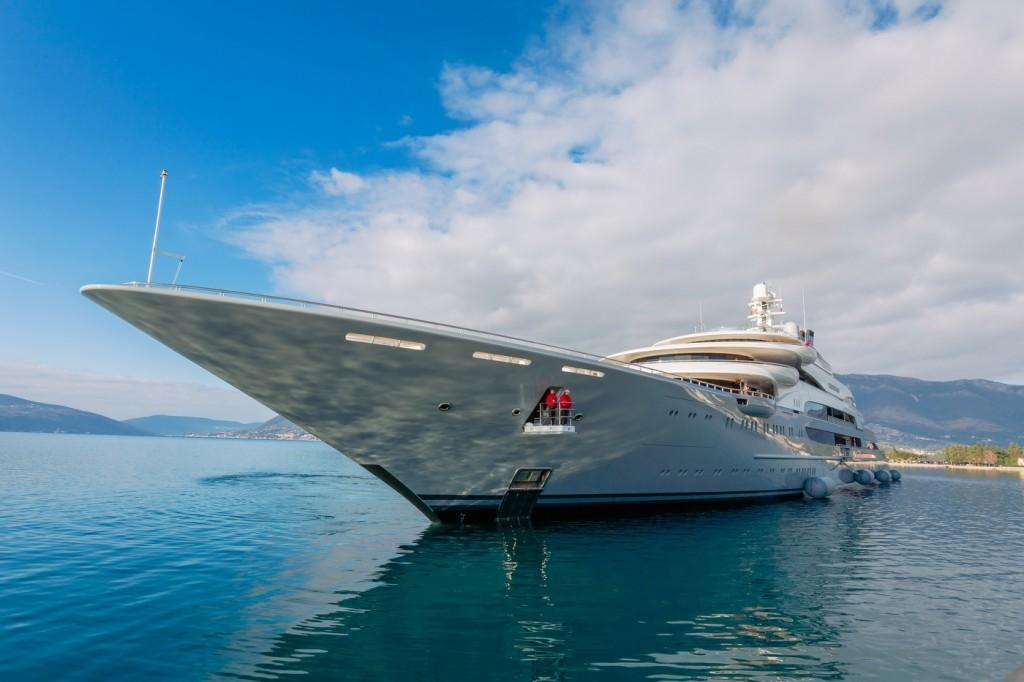 Ocean Victory uplovljava u Porto Montenegro
