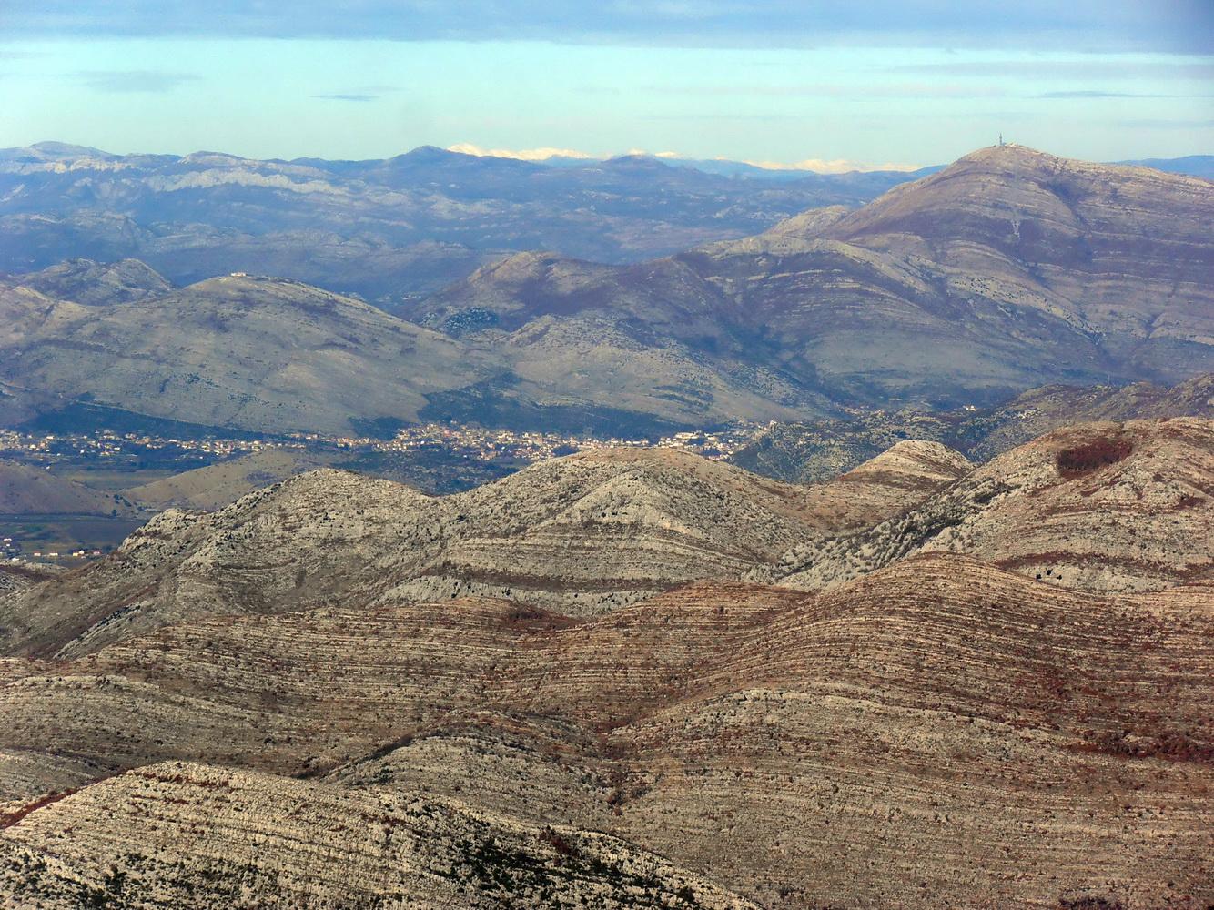 Trebinje i Leotar, pogled sa pješačkog puta za vrh