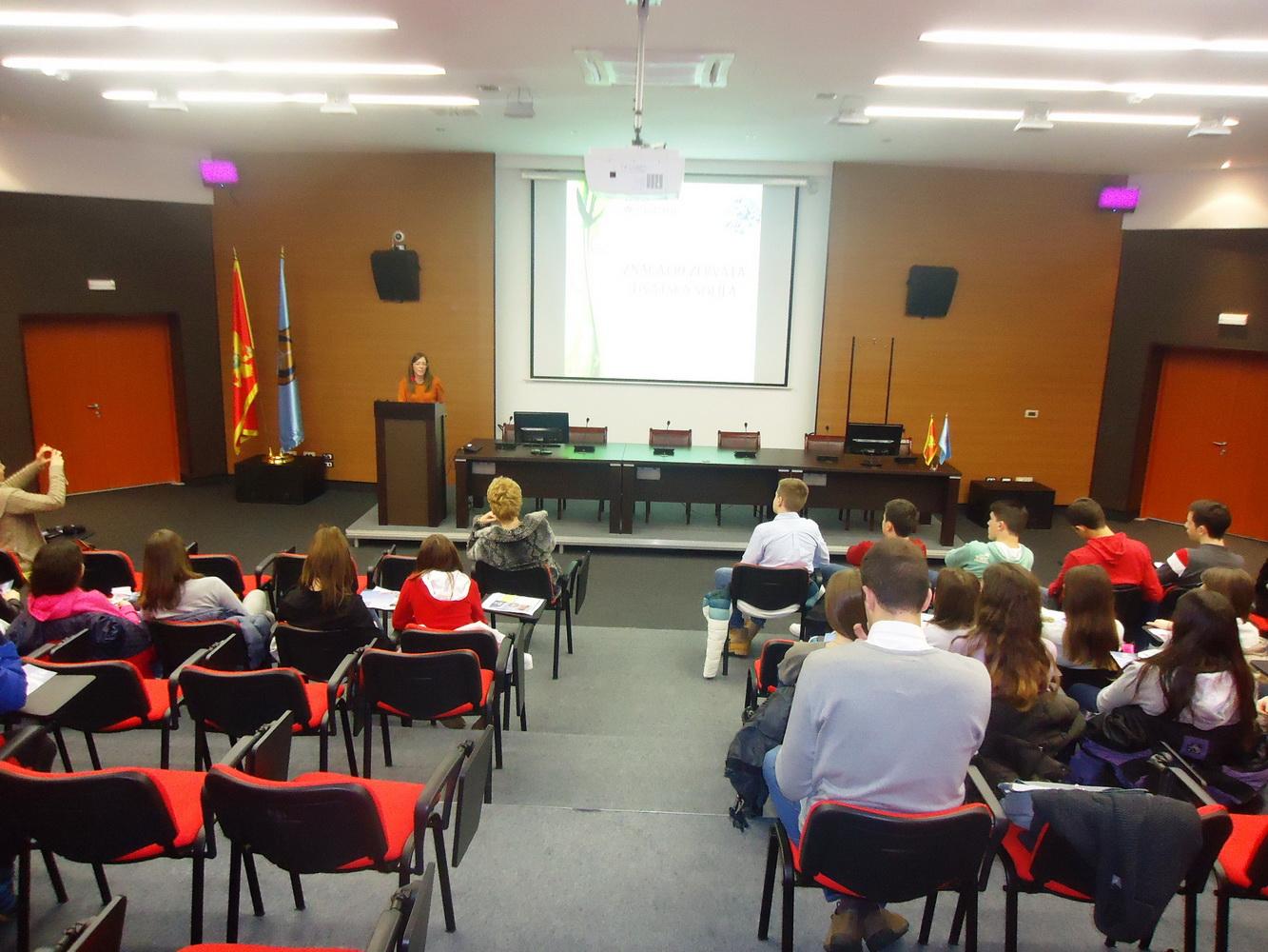 Sa predavanja u Tivtu