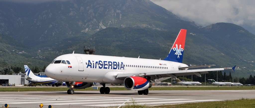 Air Serbijin airbus A 319 u Tivtu