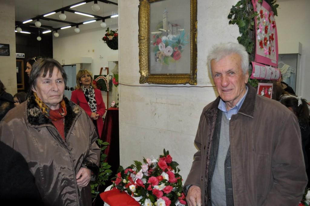 Izložba cvijetnih aranžmana kamelija