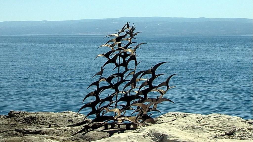 Stanislav Bavčević -  škverski kipar godinama je od otpadnog brodograđevnog materijala izrađivao skulpture
