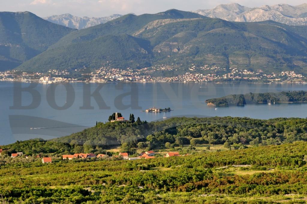 Panorama Boke iz Luštice - Foto Boka News