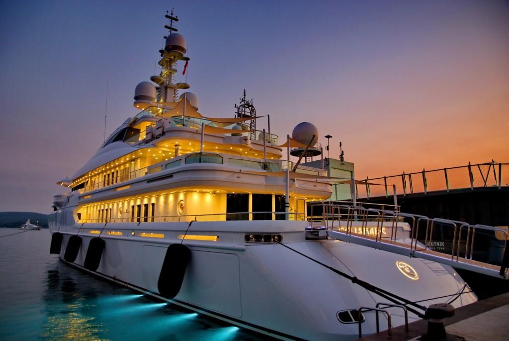 Motor Yacht Talisman C
