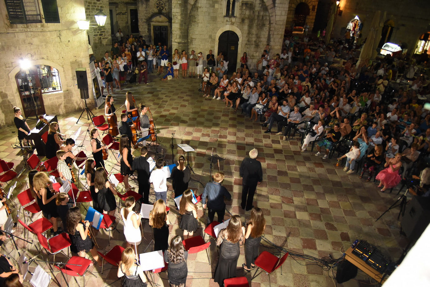 Koncert gudača-Foto Parteli