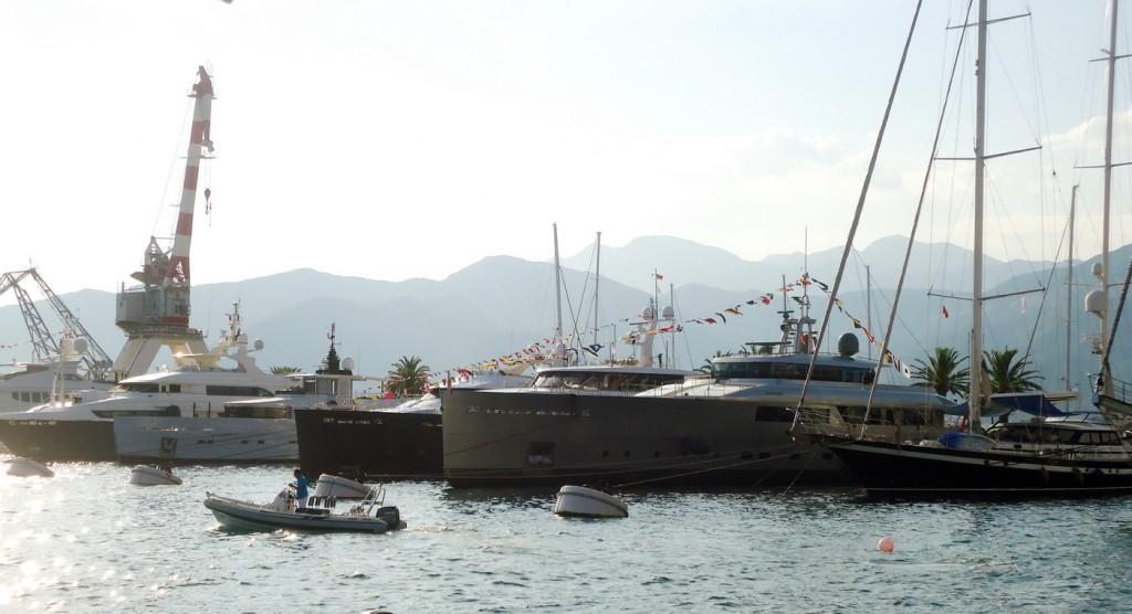 Jahte učesnice Superyacht Rendezvousa na mulu Porto Montenegra