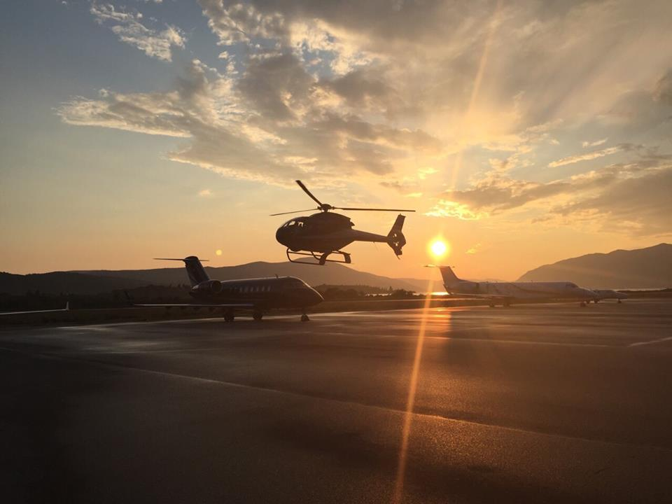 Hawattov helikopter slijece na aerodrom Tivat