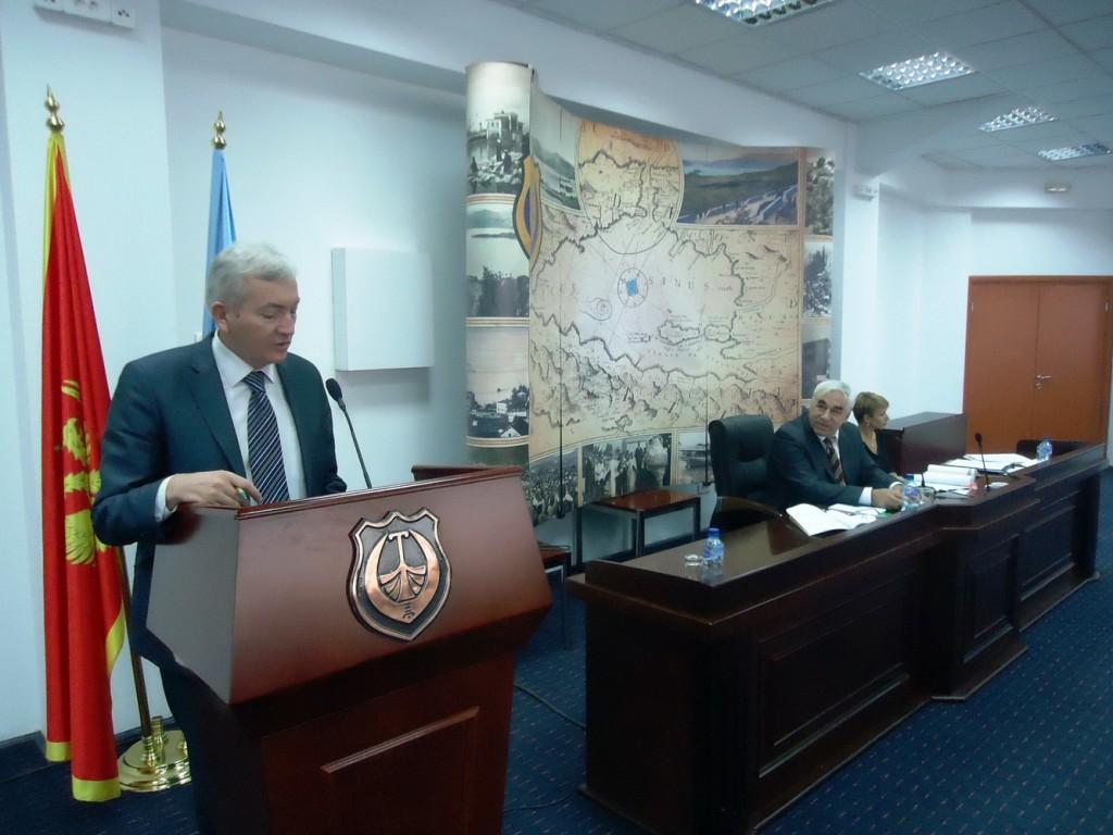 Nema izvjestaja ni rasprave o komunalijama - Novosel i Boskovic sa sjednice SO