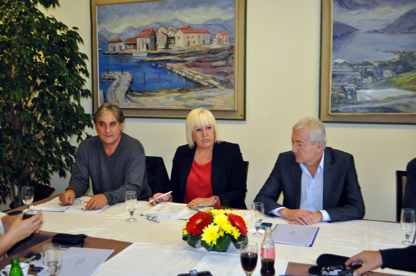 TO Tivat press