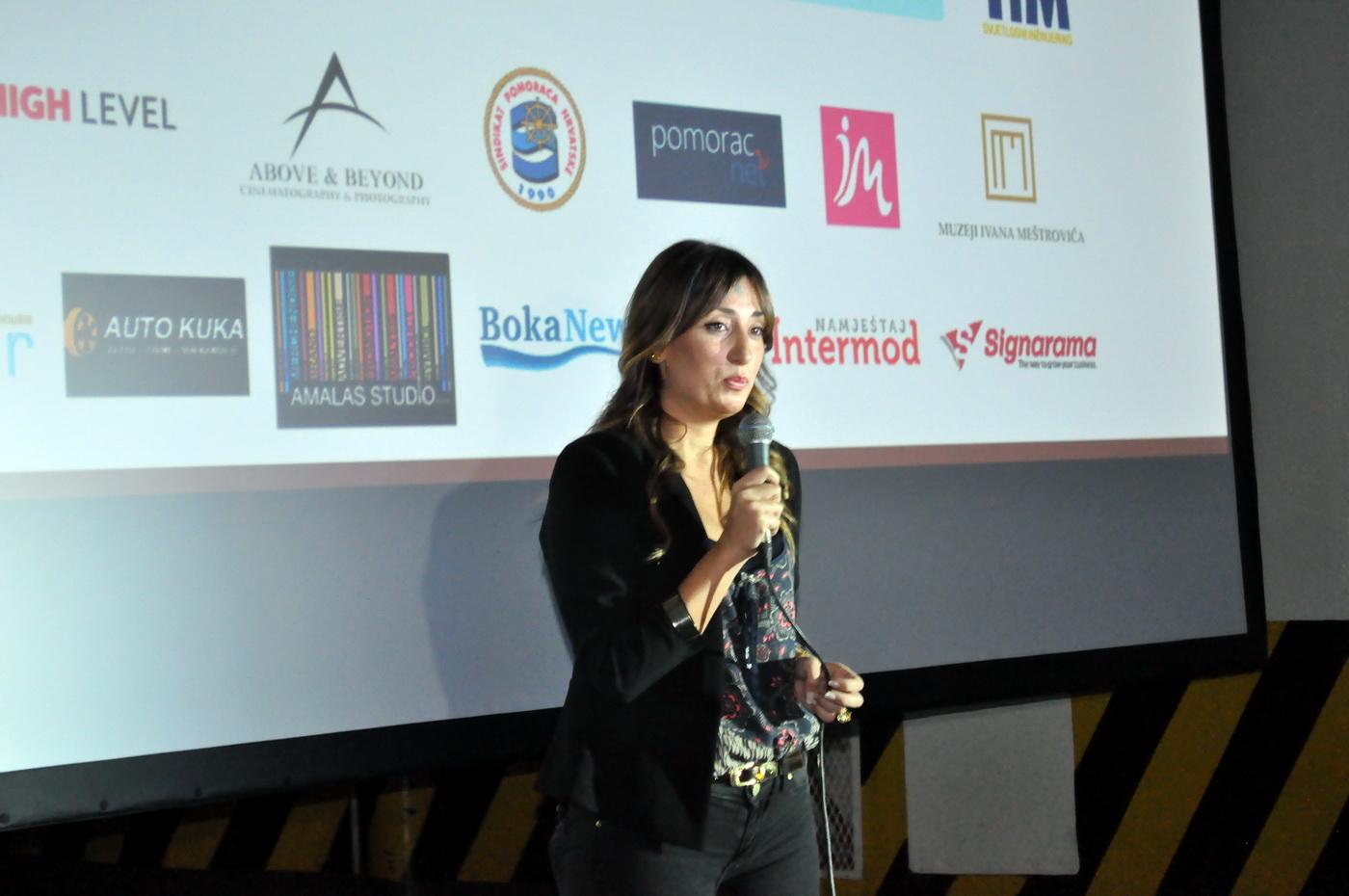 Modri kavez -premijera filma
