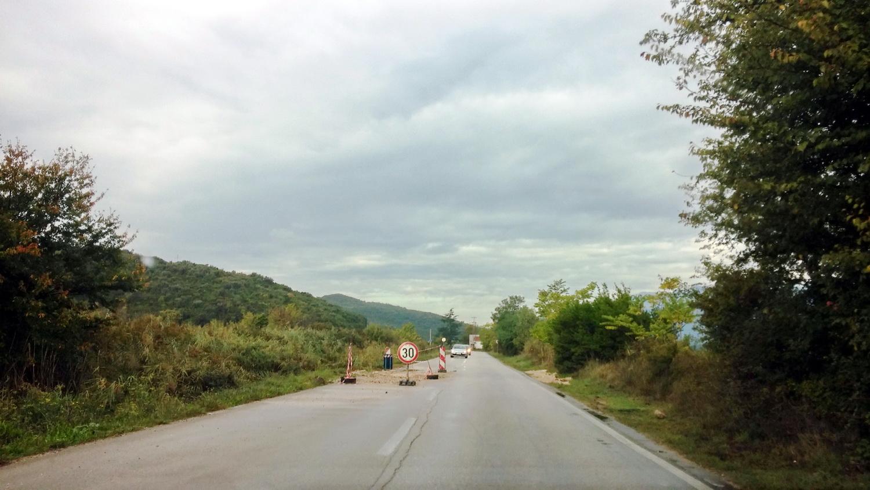 Put razoren na četri mjesta