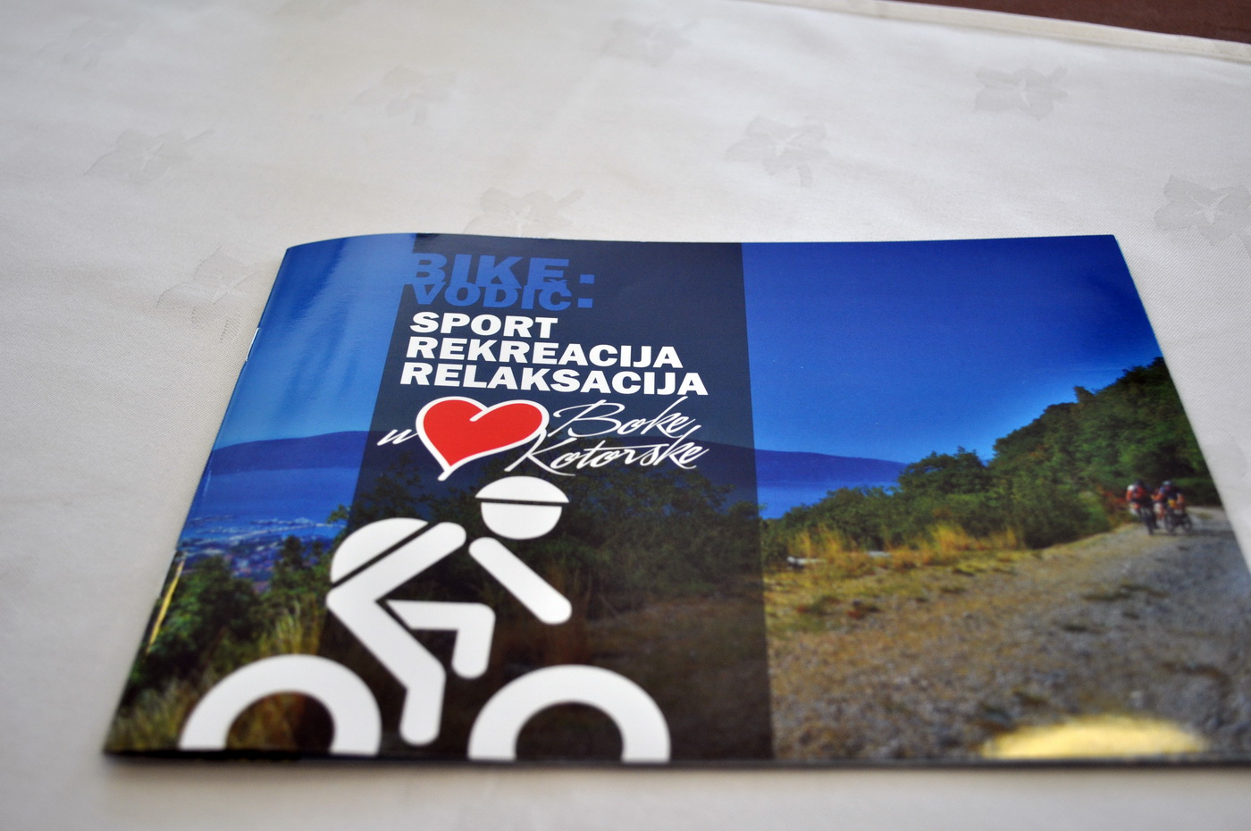 Promovisani prvi biciklistički turistički vodiči u Boki