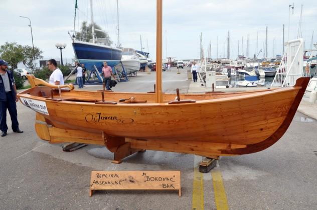 Pokrenuta proizvodnja drvenih barki u Baru