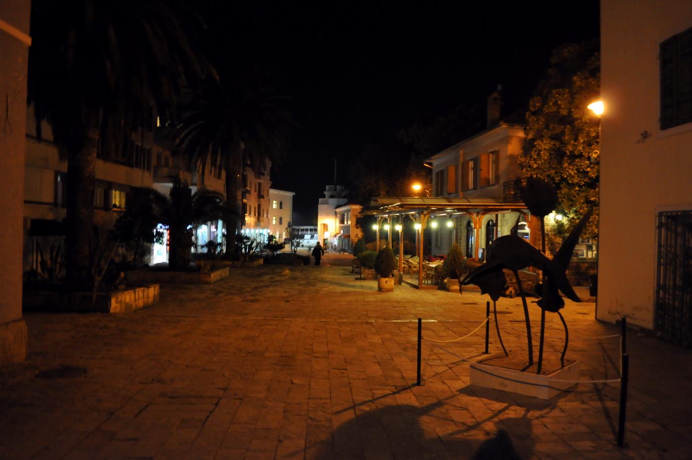 Tivat -Trg kullture večeras