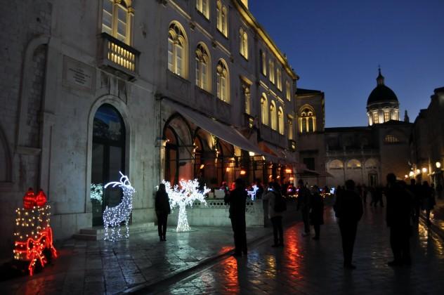 Dubrovnik – Stradun spreman za doček 2016.
