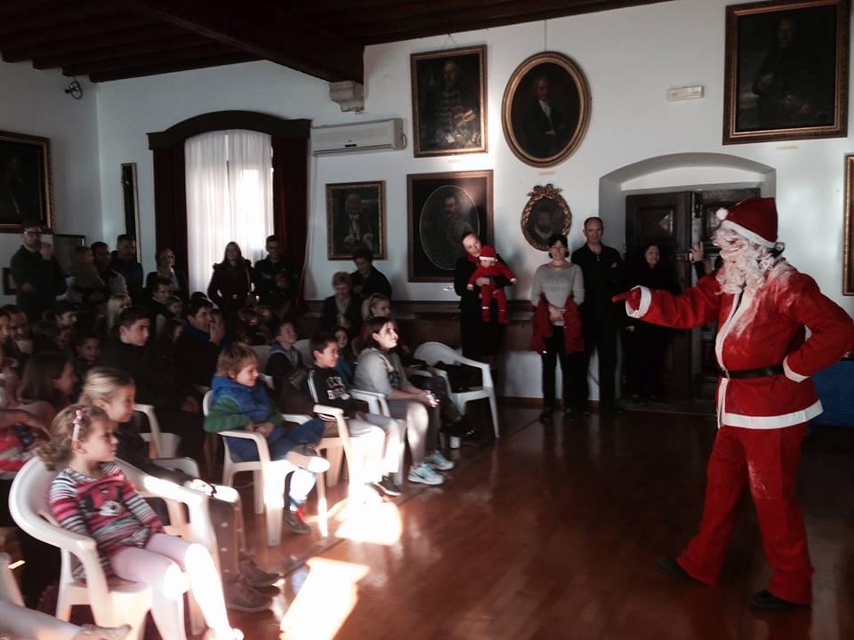 Djeda Mraz u Muzeju grada Perasta