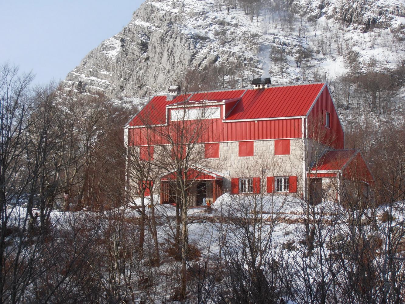 Dom ZaVratlom - Orjen