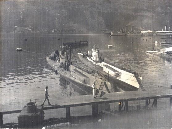 Podmornice u bazi u Đenovićima
