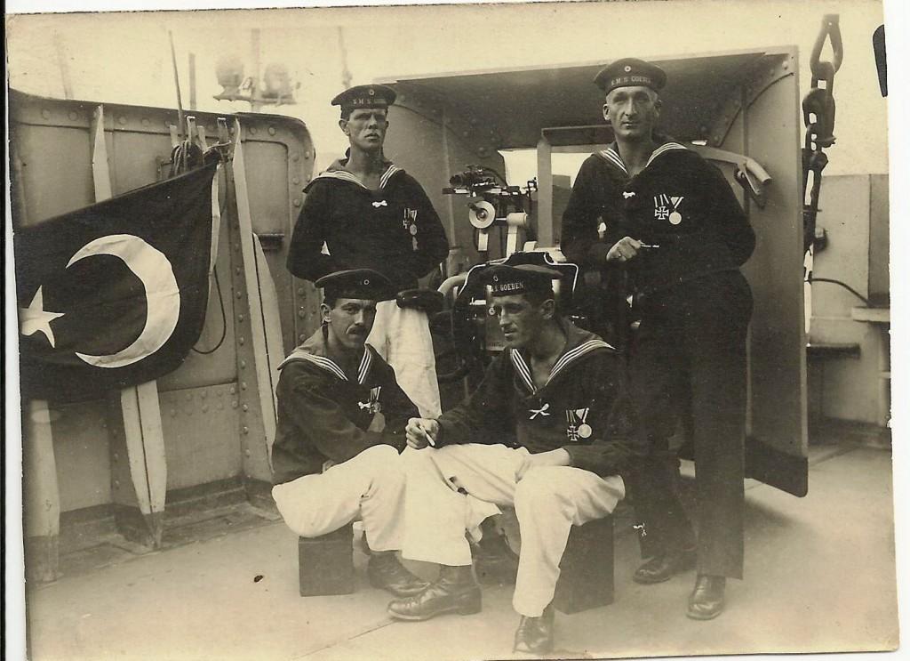 Đurko Radimir SJEDI LIJEVO kao clan posade YAVUZA u Turskoj