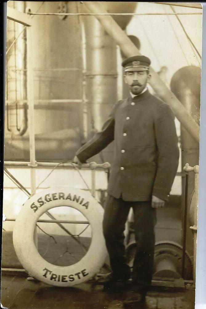 Radmir kao oficir na trgovačkom parobrodu GERANIA 1912.