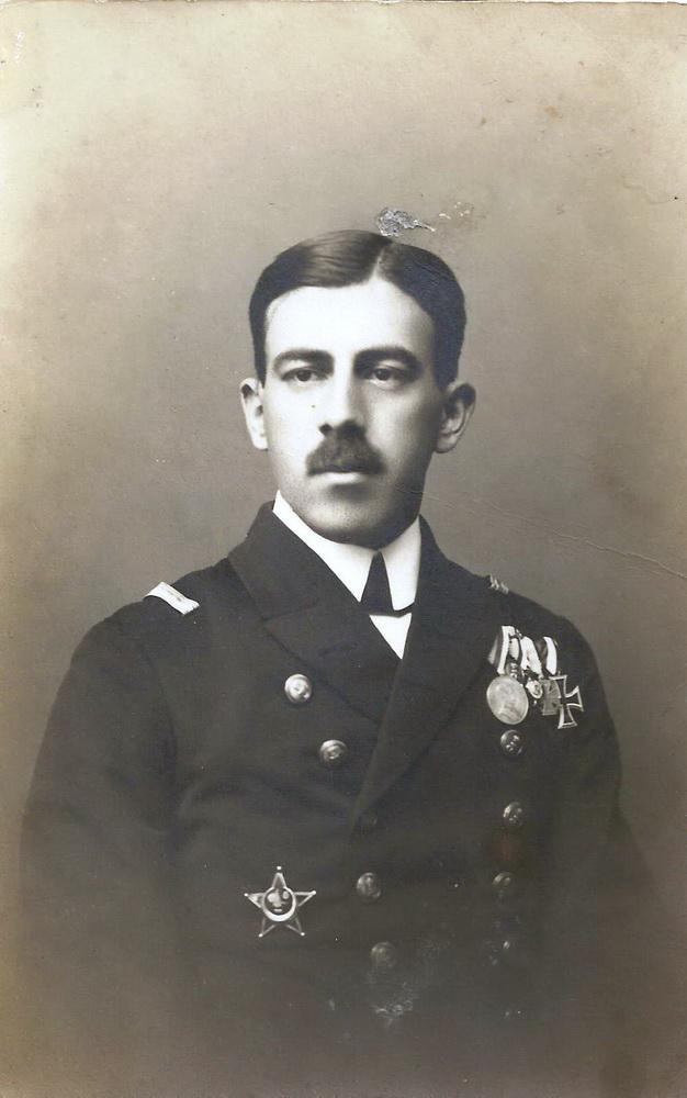 Đurko Radmir sa medaljama iz Prvog svjetskog rata