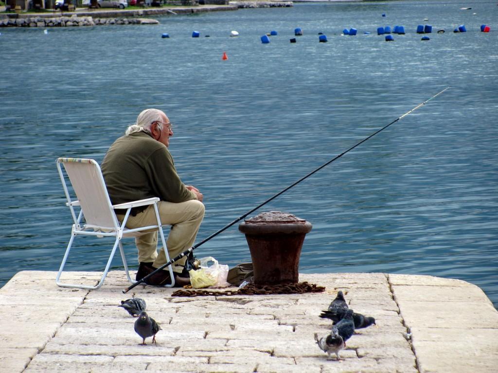 Ribar pred jugo foto Boka News
