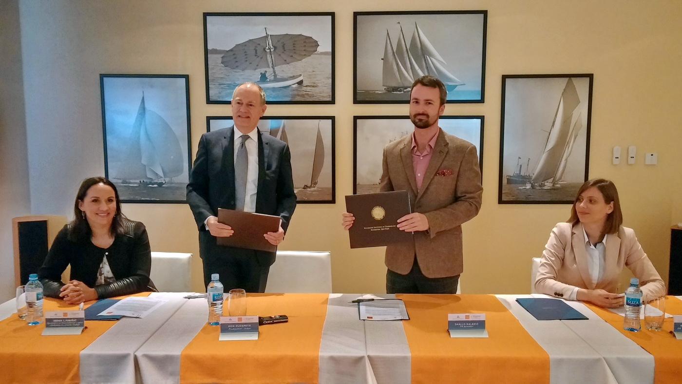 Sa potpisivanja