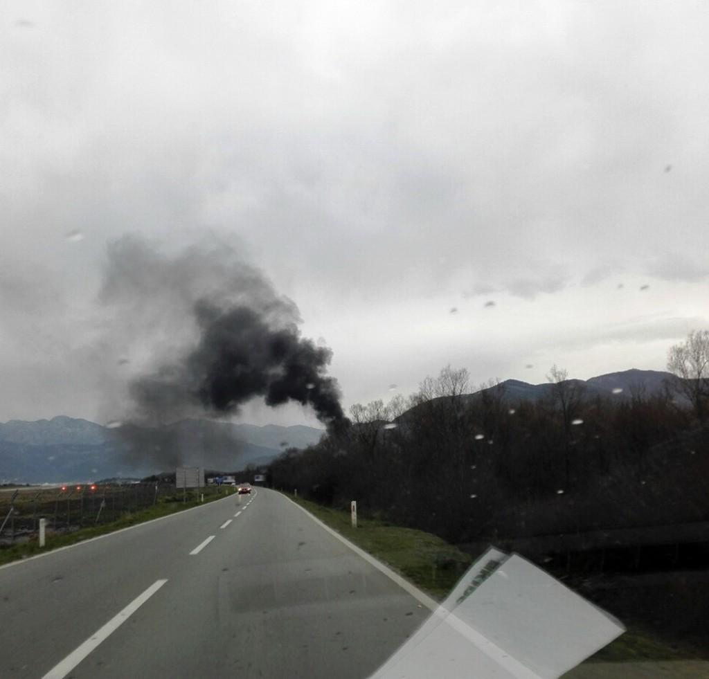 Dobar kvalitet vazduha u Tivtu -paljenje starih guma na Lovanji