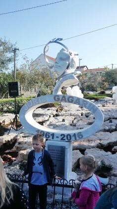 Spomenik Juriju Gagarinu u Radovićima