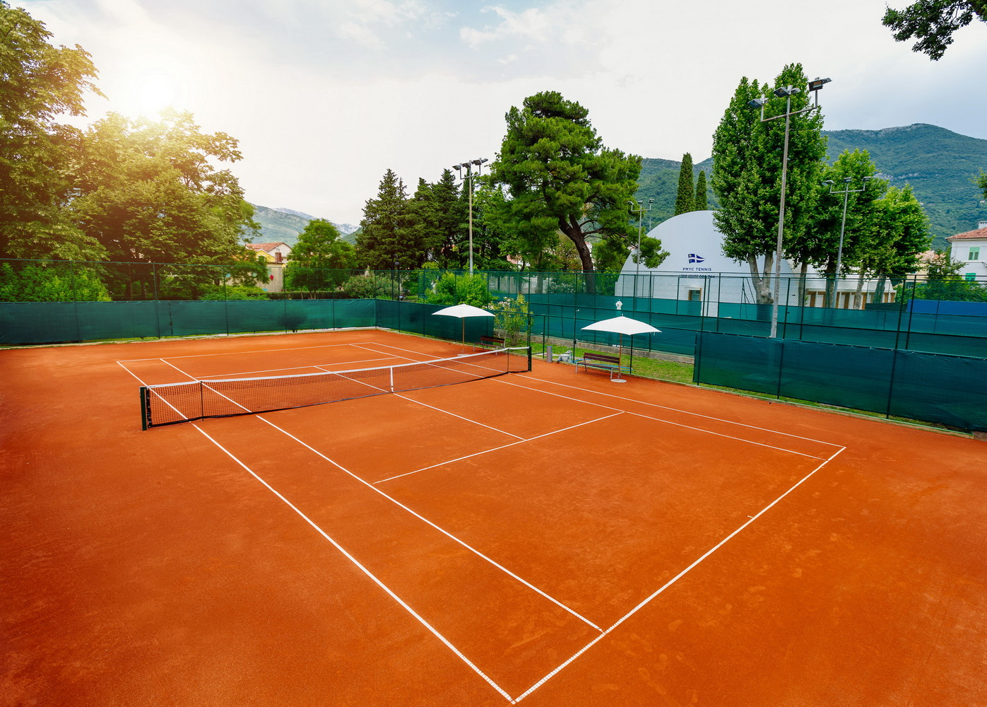 Novi teniski teren u Porto Montenegru