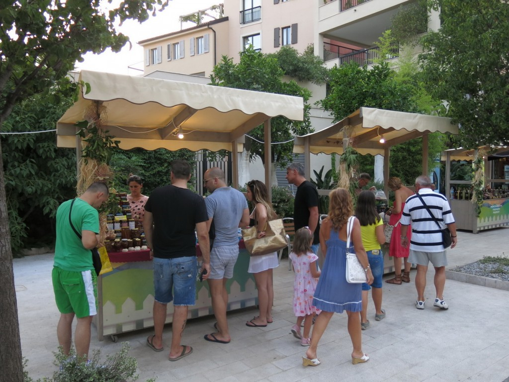 Pijaca domaćih proizvoda u Porto Montenegru