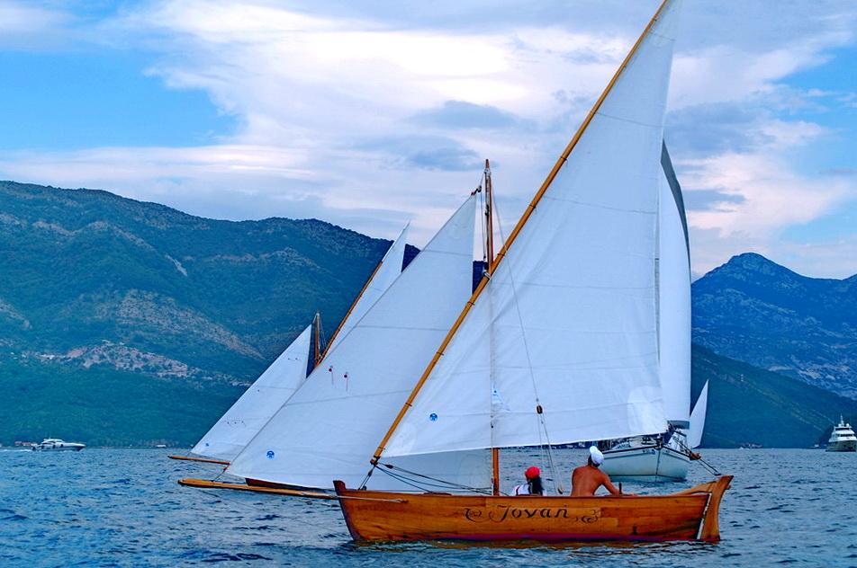 Mala regata - drvene barke