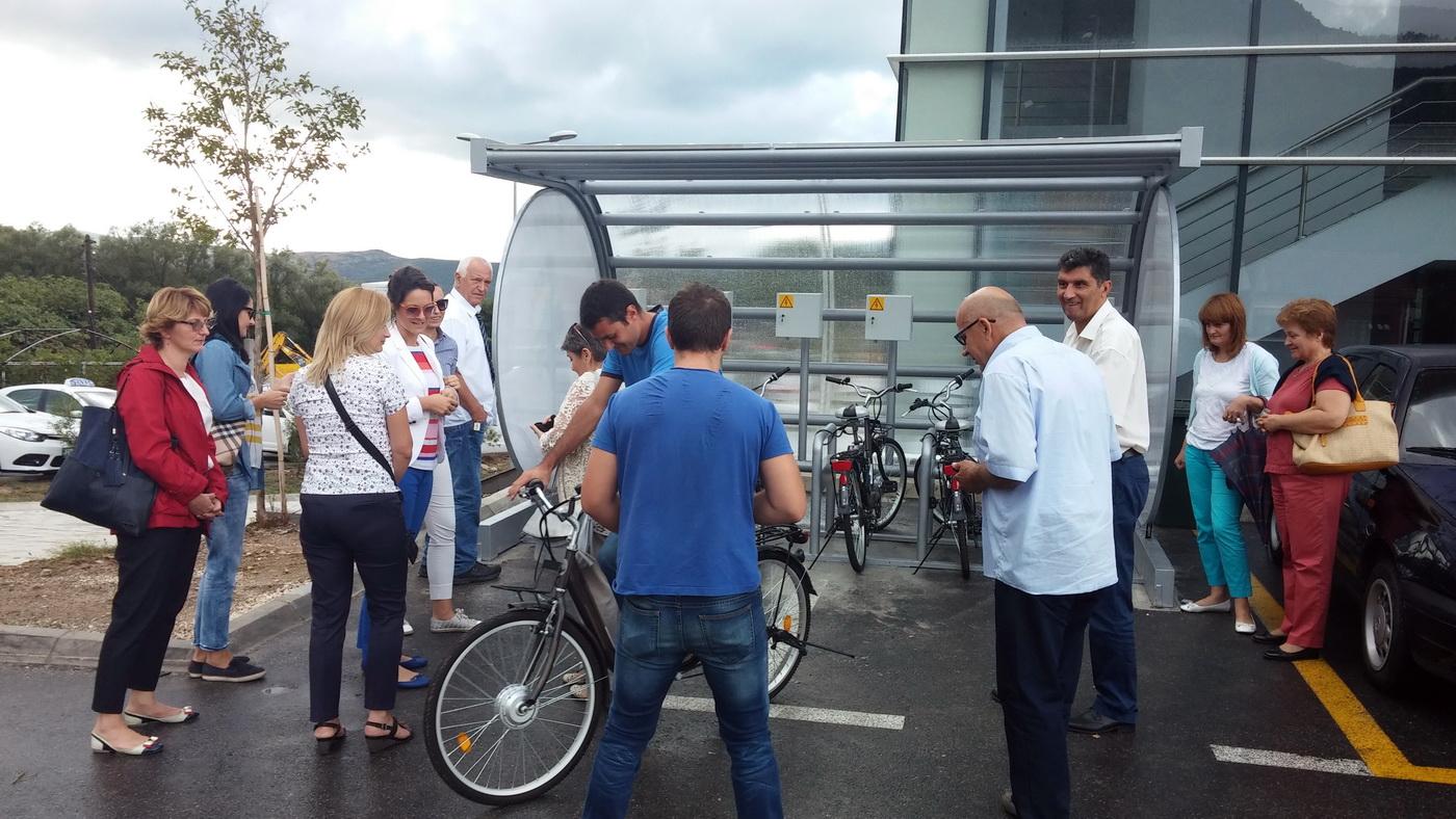 Stanica za iznajmljivanje električnih bicikala