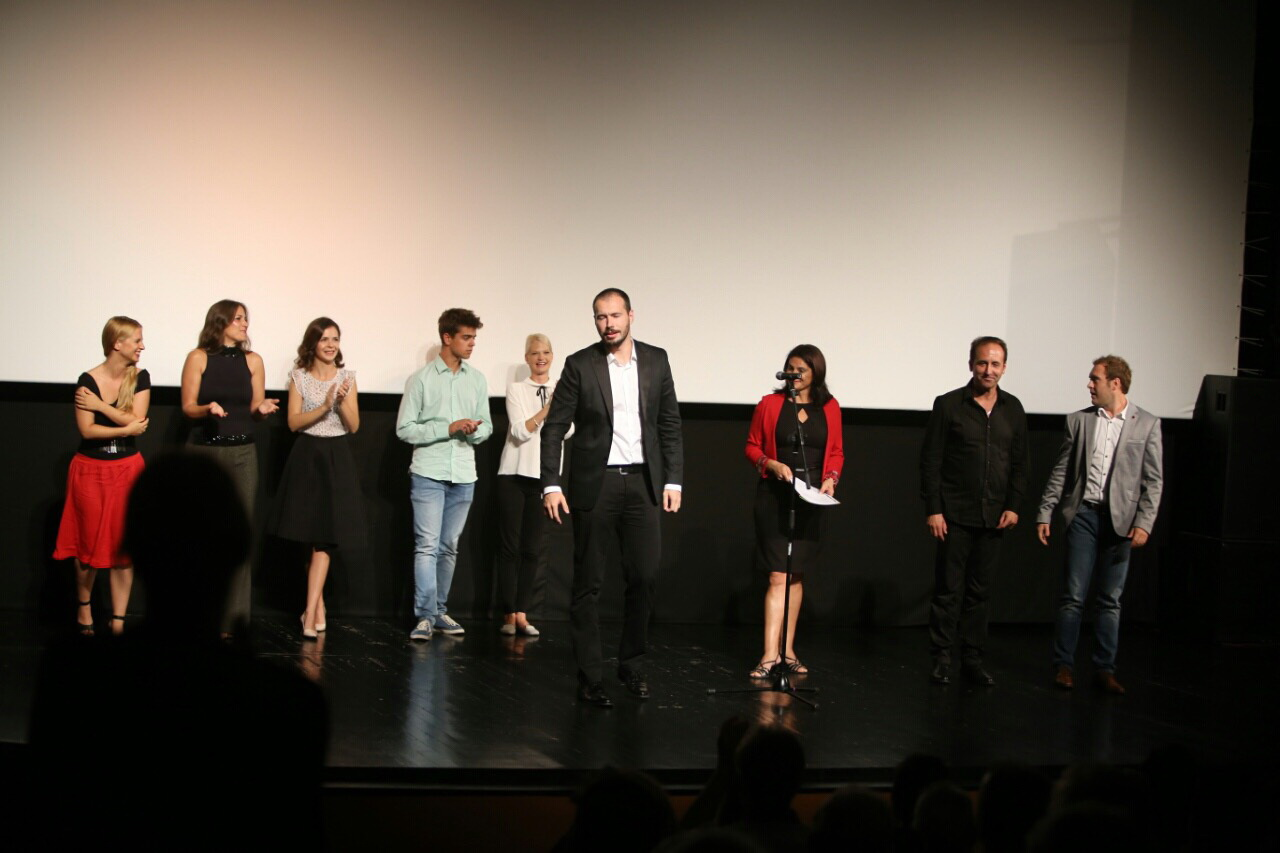 glumci pred publikom