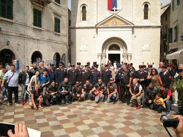 """Predstavnici Kozaka sa članovima ruskog moto-kluba """"Noćni vukovi"""" posjetili Kotor"""