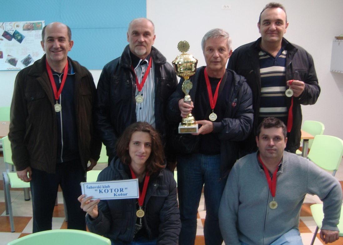 Pobjednici šah ekipa iz Kotora
