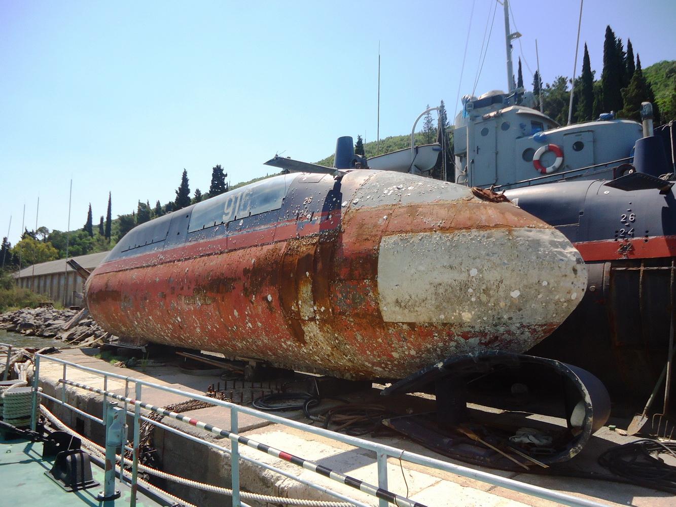 Podmornica P 916 Kupa na Pristanu-na Lustici
