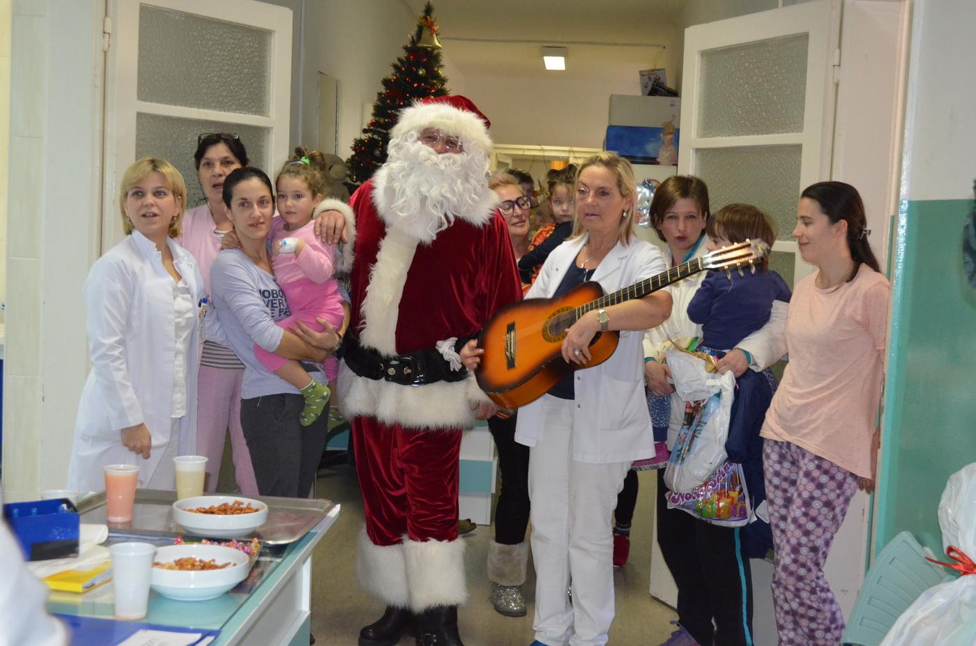 Djeda Mraz u bolnici