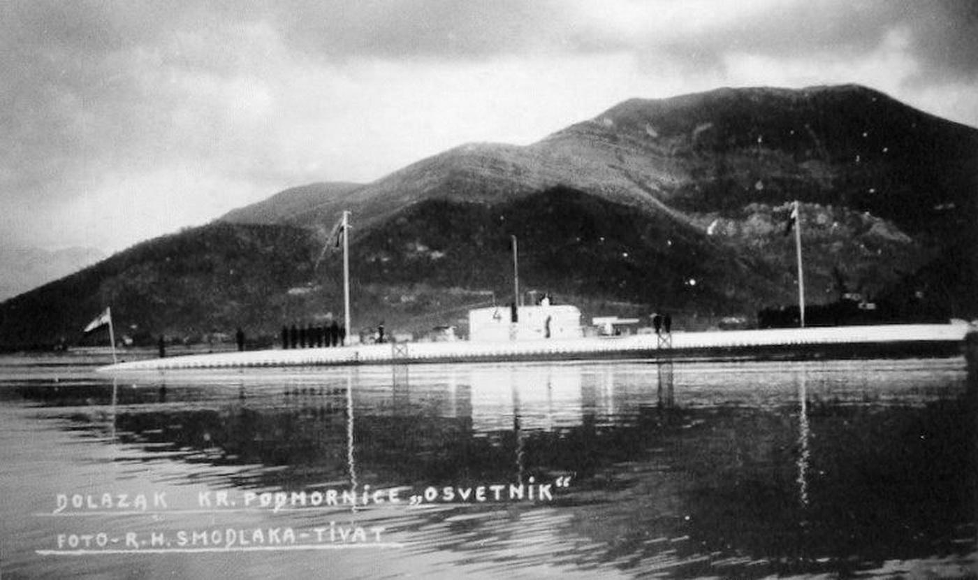 dolazak-podmornice-osvetnik-u-tivat-1929-godine_resize