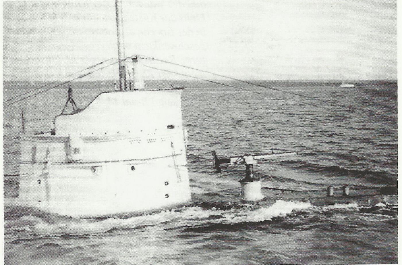 Podmornica U 27 izronjava