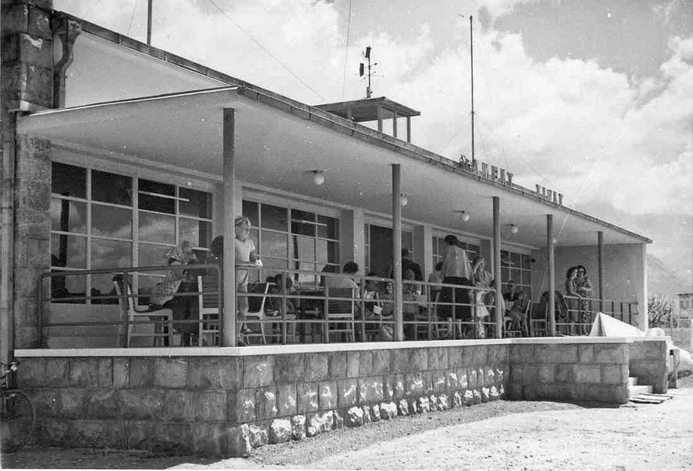 Zgrada Aerodroma Tivat