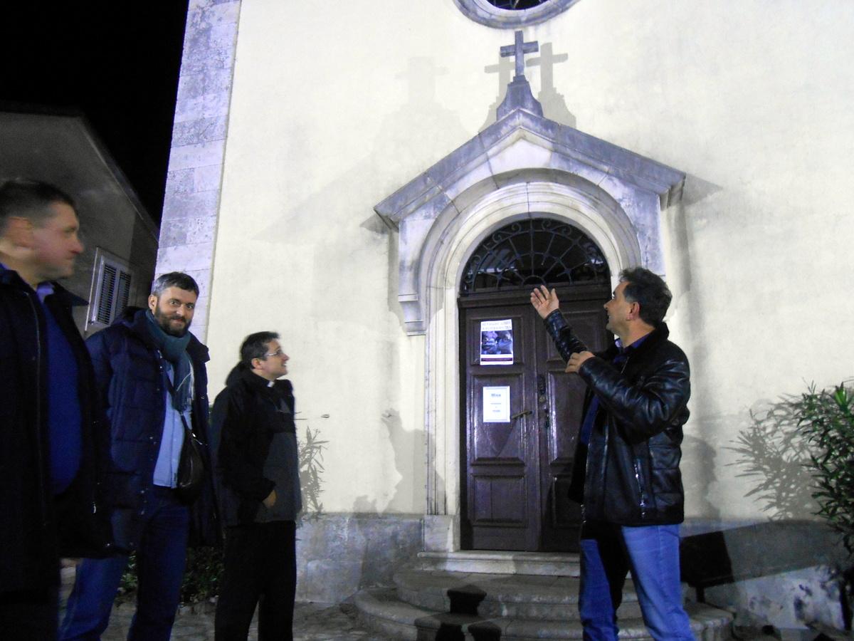 Pravoslavni vjernik osvijetlio župnu crkvu Sv. Marije u Sutomoru